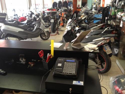 registratori_di_cassa_negozi_moto_04